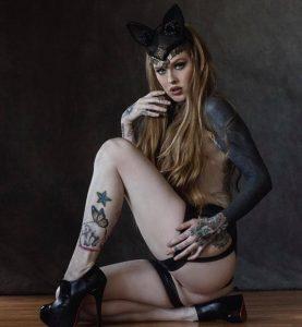 Horny mature women porn